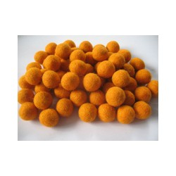 10 Bolas de fieltro 1cm - 08 Golden Orange